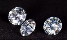 不同类型的女性要如何区分佩戴钻石饰品?