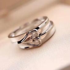 钻石首饰款式多样,满足消费者需求!